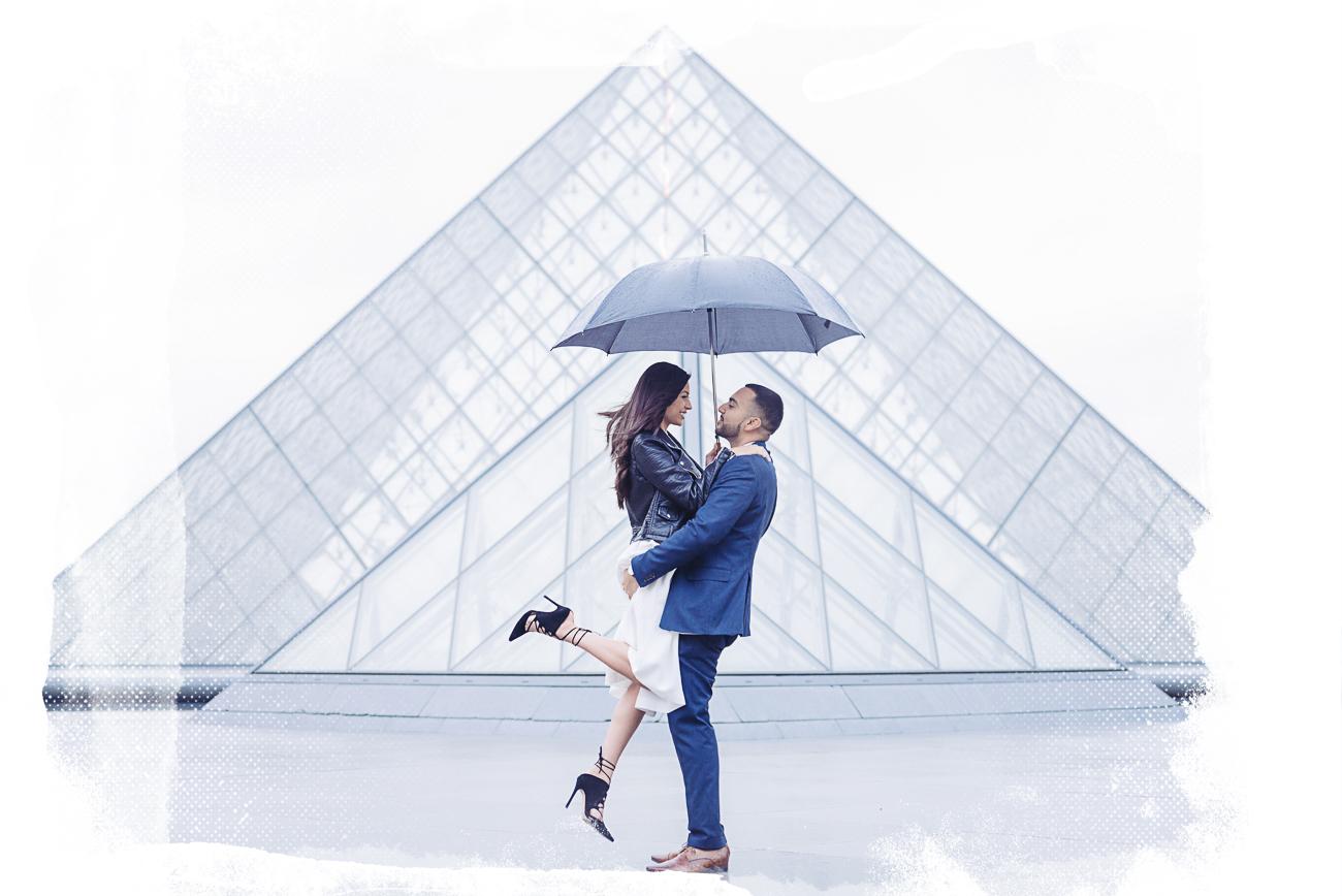 paris engagement photographer at louvre museum