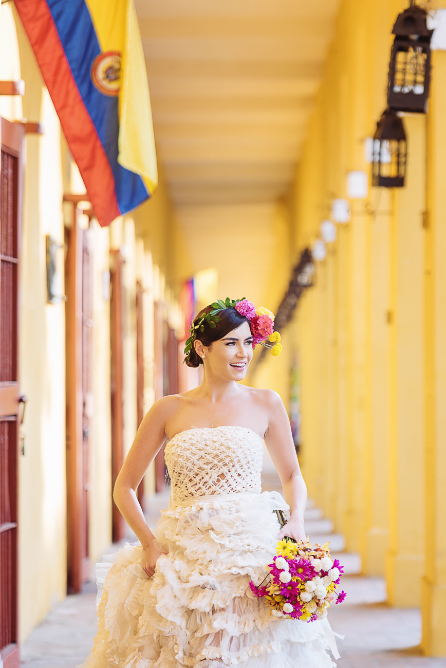 bride-smiling-in-colombia-26