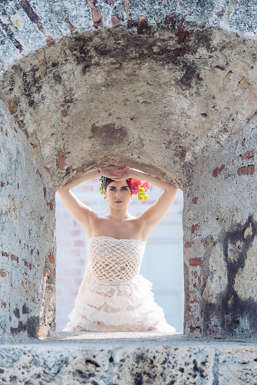 bride-through-wall-window-cartagena-51
