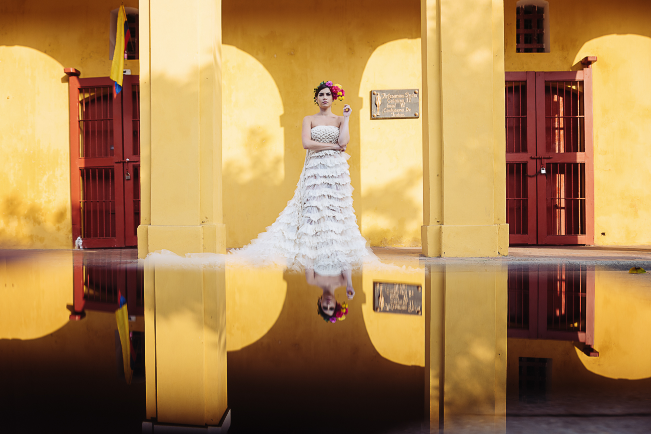 brides-reflection-in-cartagena-32