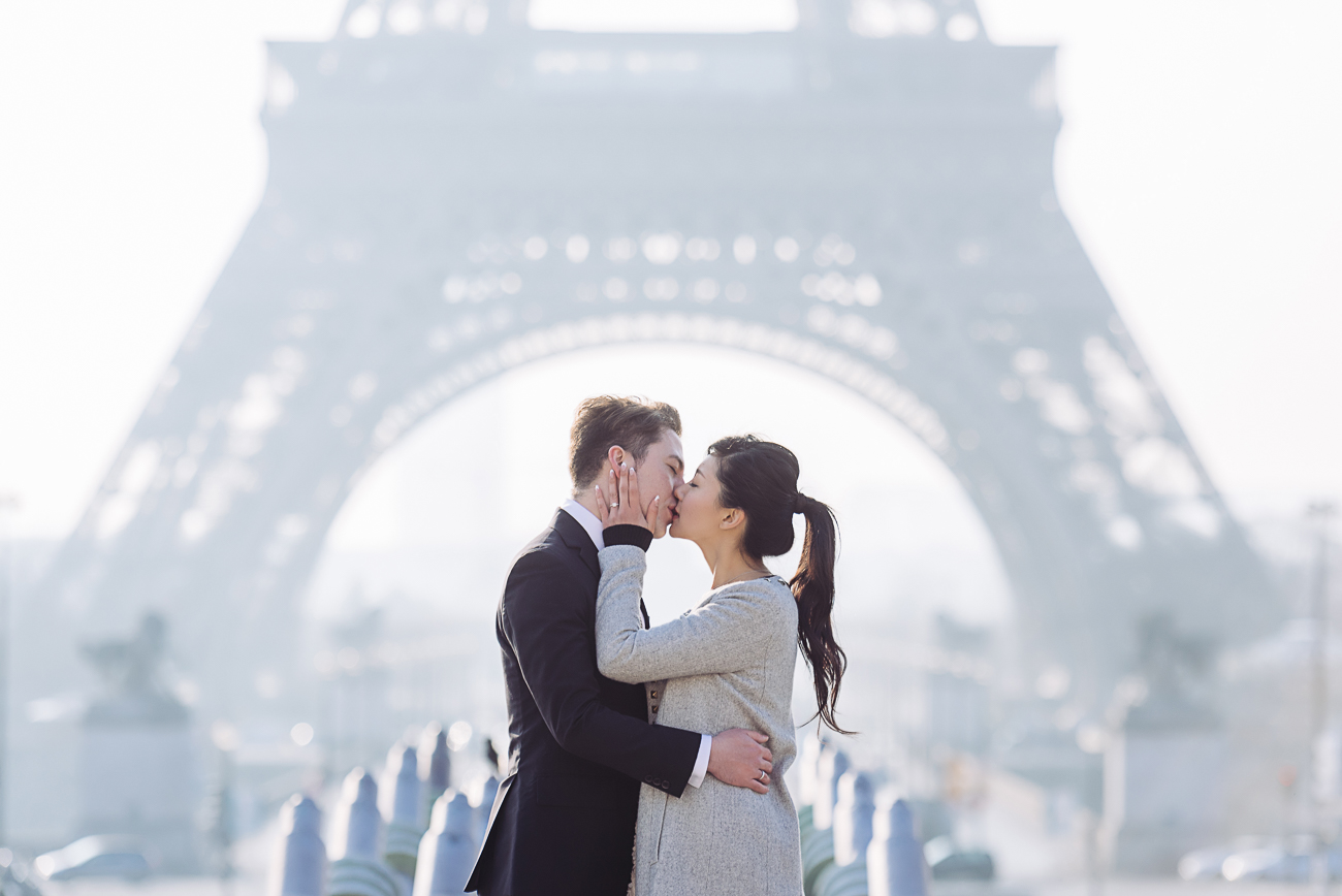 gloria-villa-beso-eiffel-tower