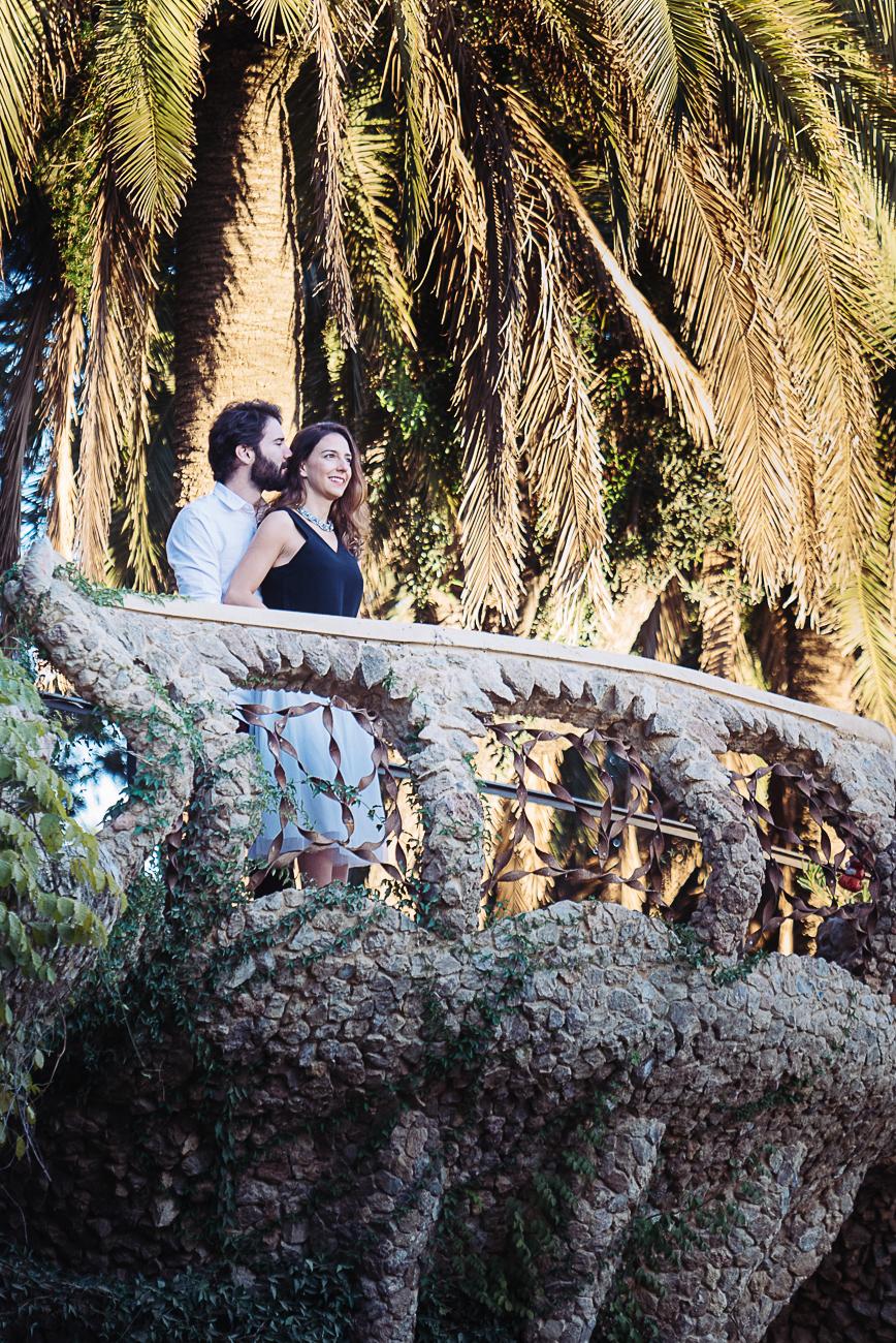 gloria-villa-couple-barcelona-balcony