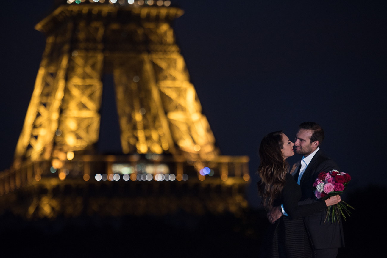 gloria-villa-eiffel-tower-night-shoot