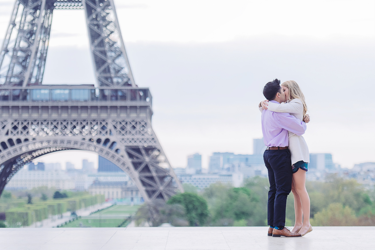 gloria-villa-engagement-in-eiffel-tower
