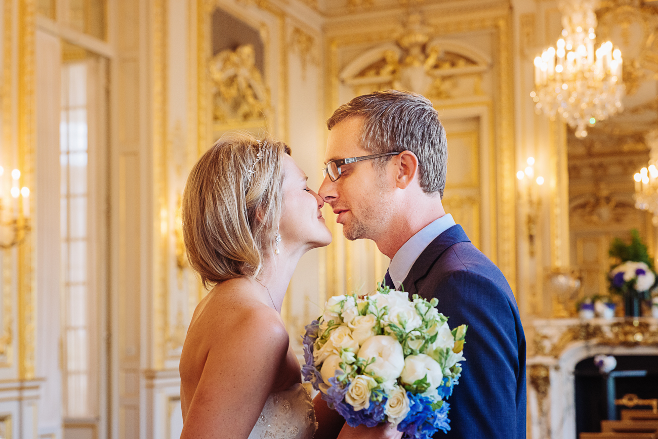 gloria-villa-first-look-paris-wedding