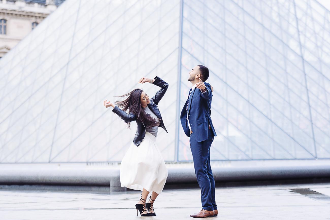 gloria-villa-paris-proposal-couple-dancing