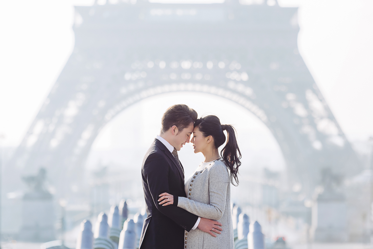 gloria-villa-paris-proposal-eiffel-tower