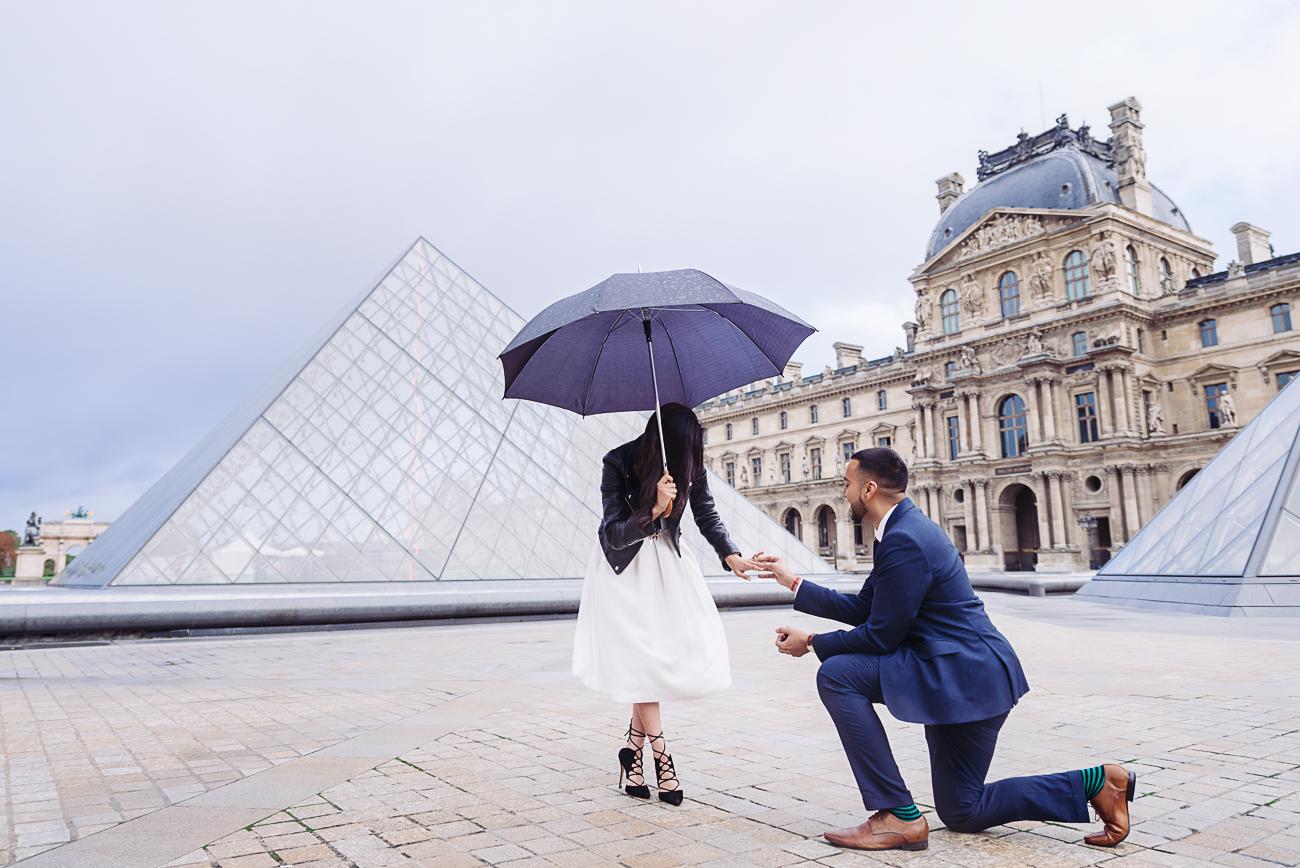 gloria-villa-paris-proposal-engagement-ring