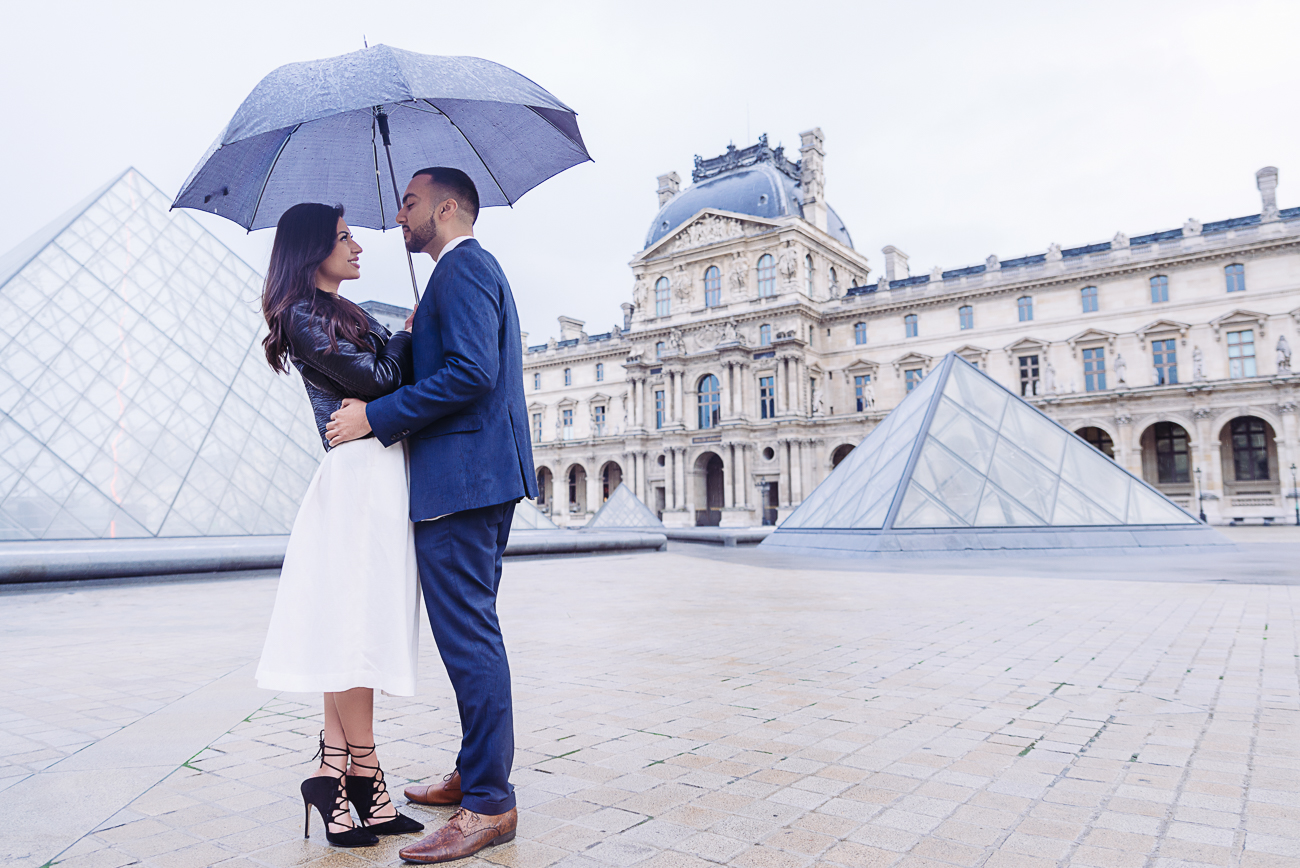 gloria-villa-paris-proposal-louvre-museum