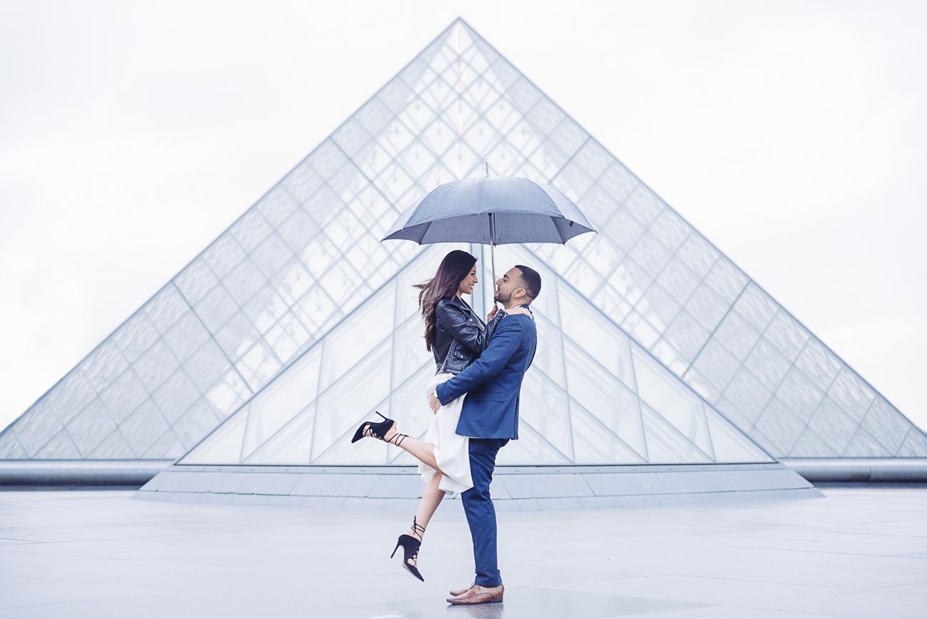 gloria-villa-paris-proposal-louvre-pyramid