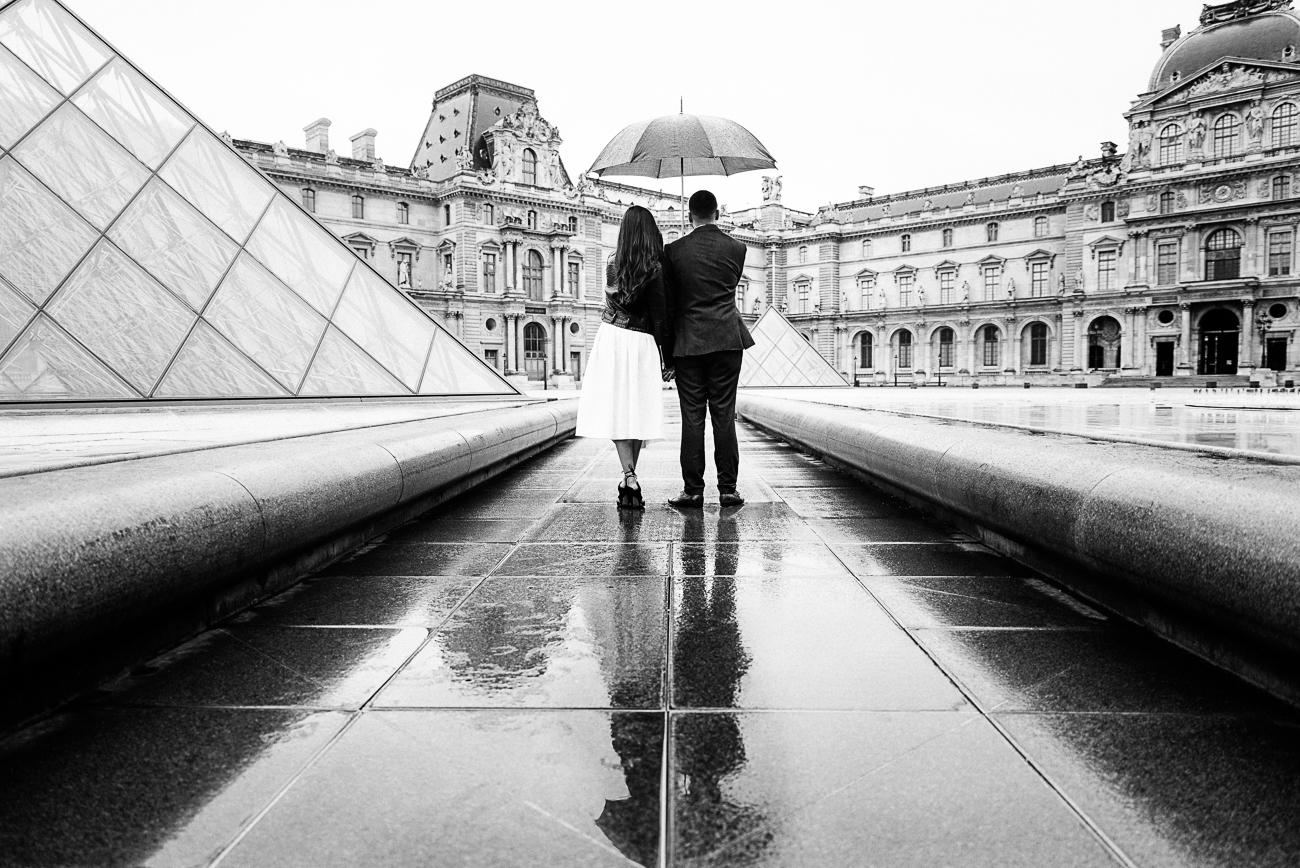 gloria-villa-paris-proposal-louvre-reflections 2