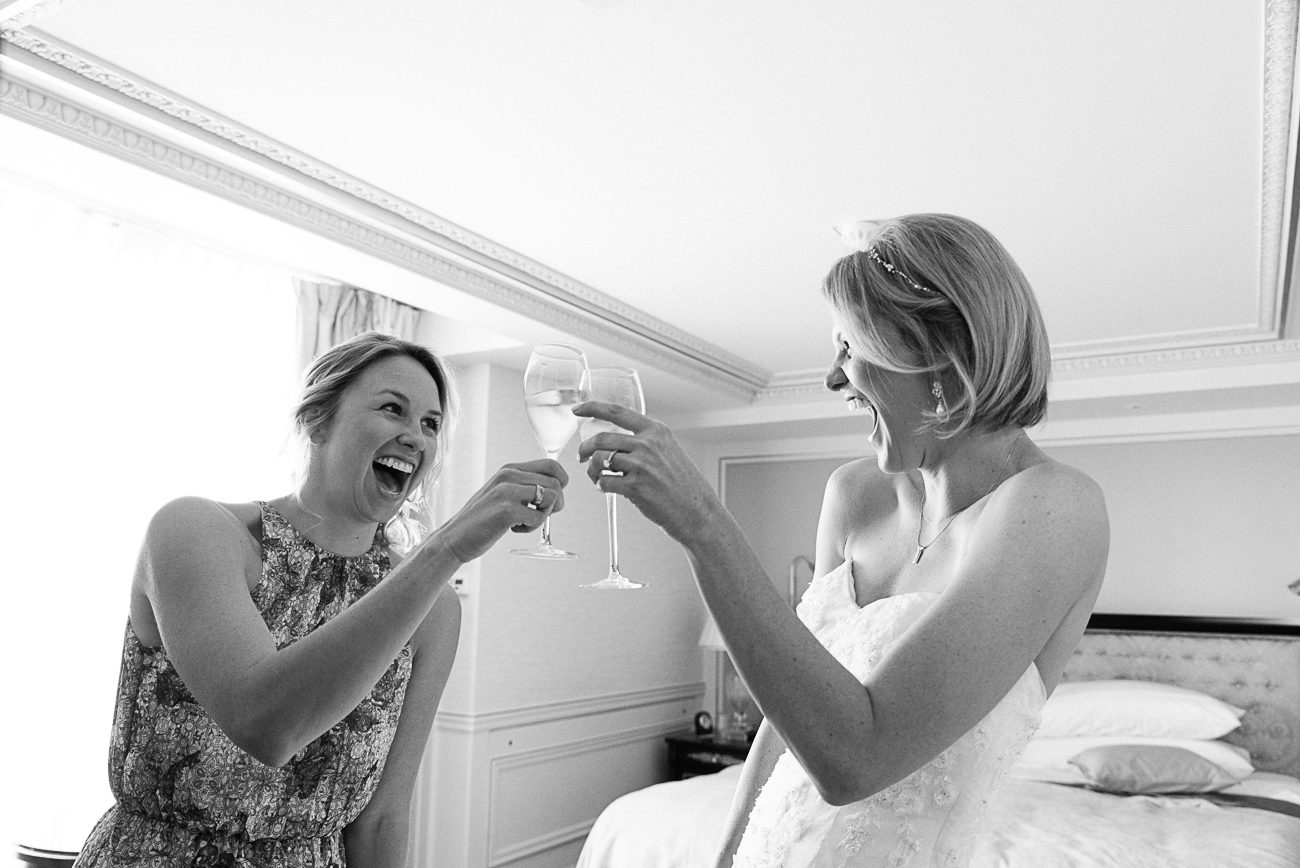 gloria-villa-paris-wedding-sisters-champagne