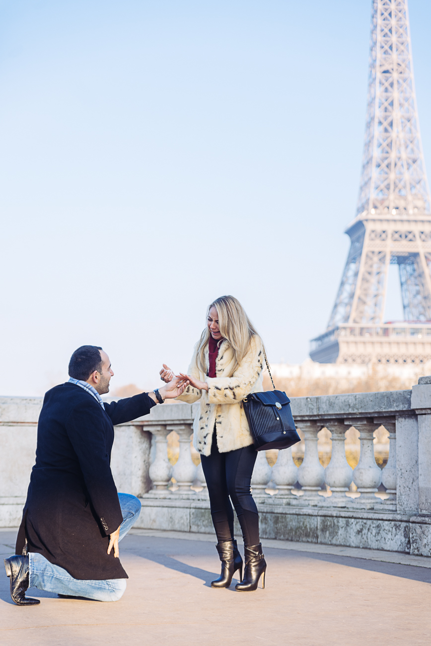 gloria-villa-proposal-eiffel-tower