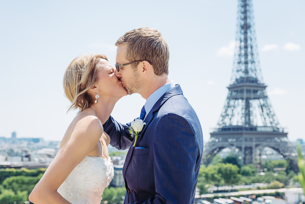 gloria-villa-shagri-la-paris-first-kiss