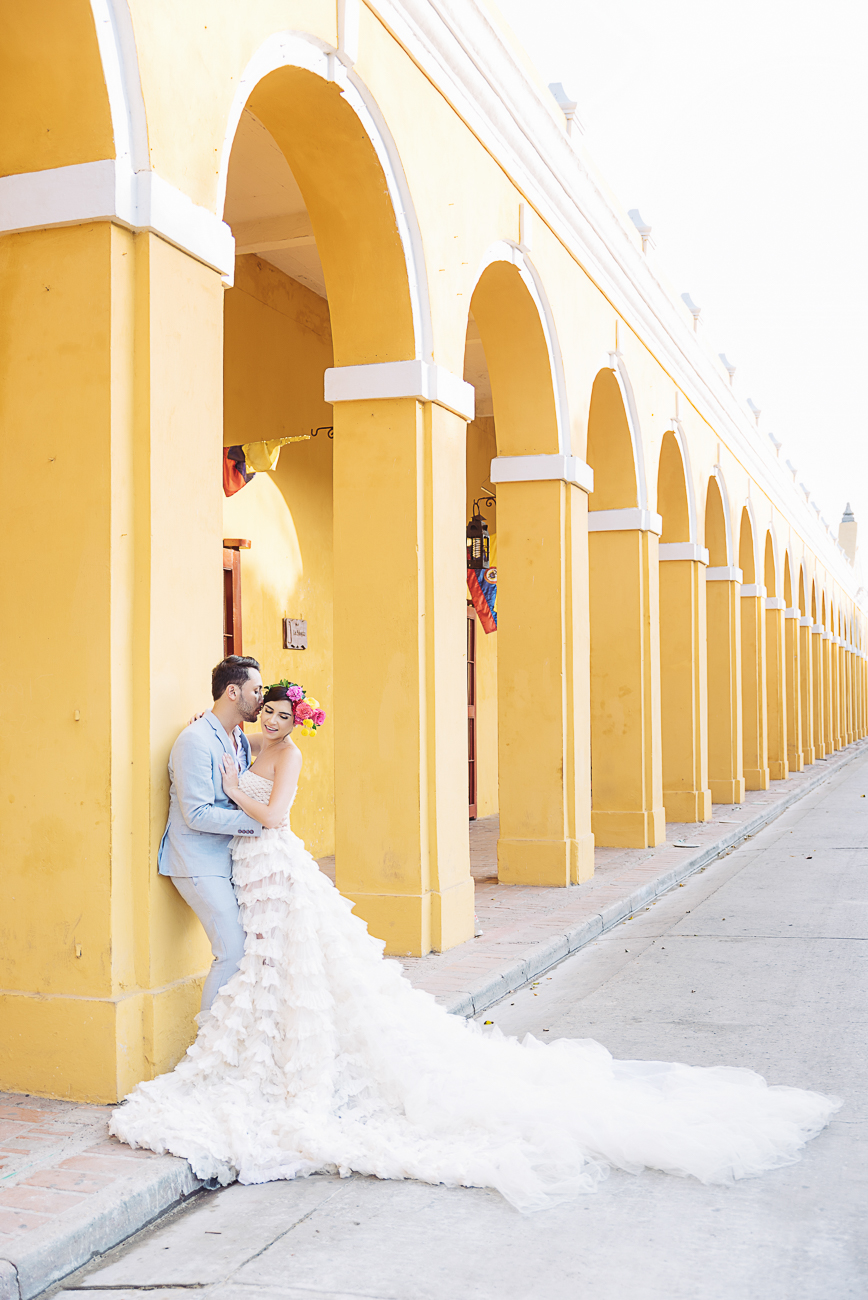 groom-telling-a-secre-in-cartagena-24