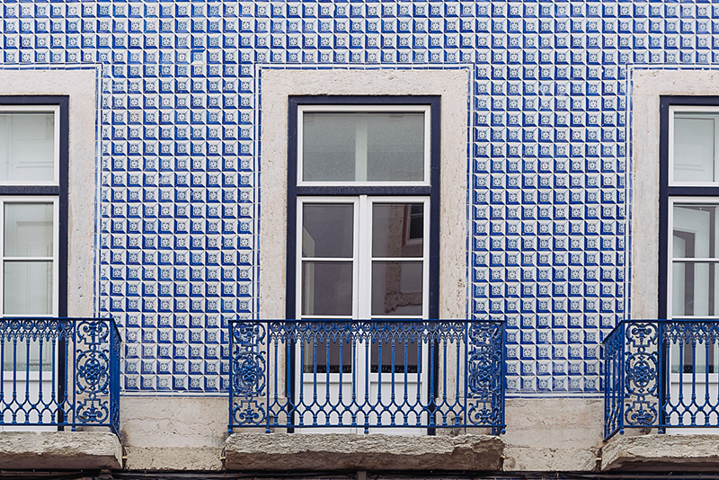 gloria-villa-lisbon-window