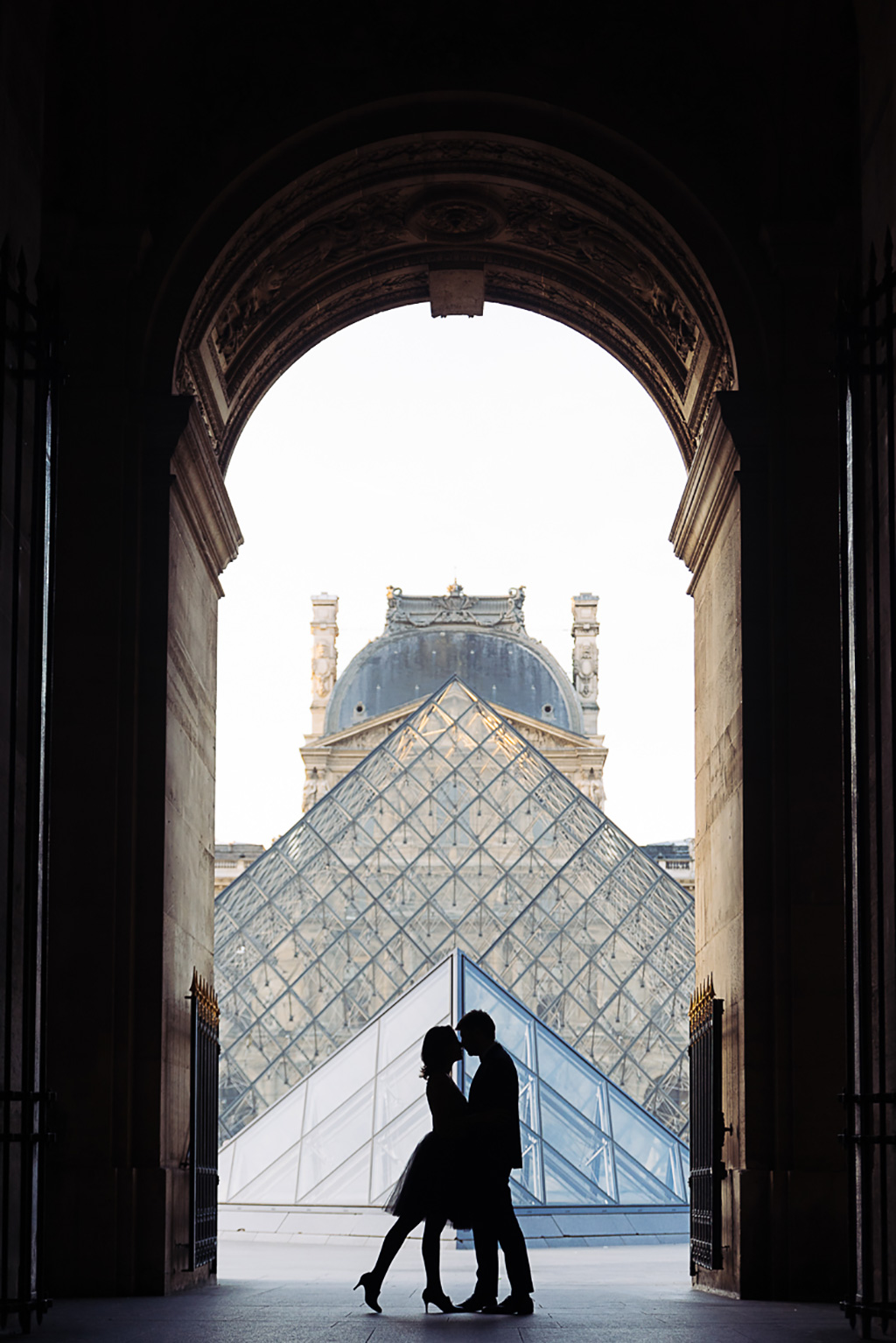 gloria-villa-paris-engagement-photographer-art-(10)