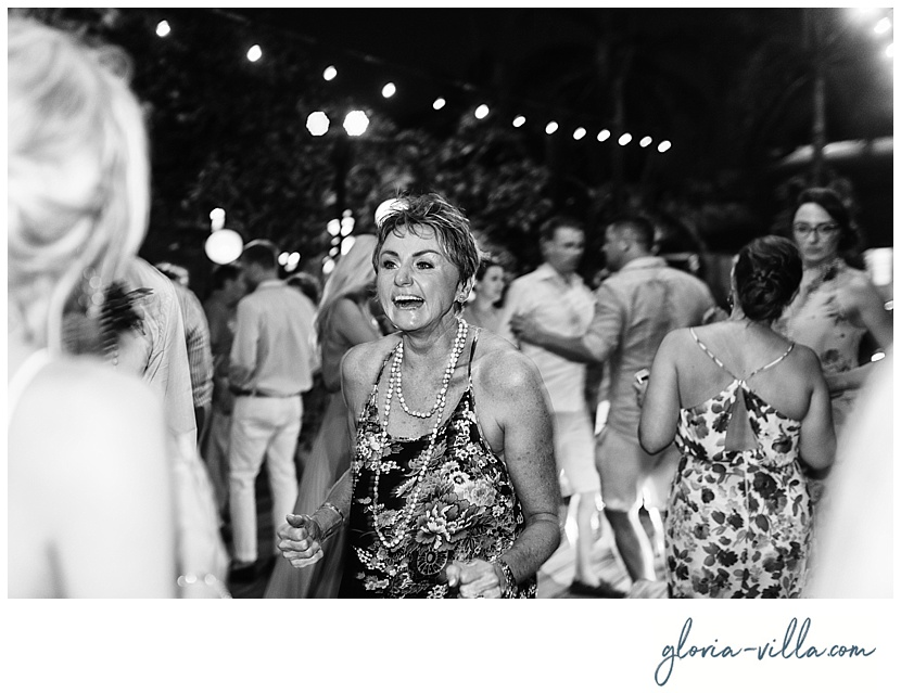 bali-wedding-bride-mother