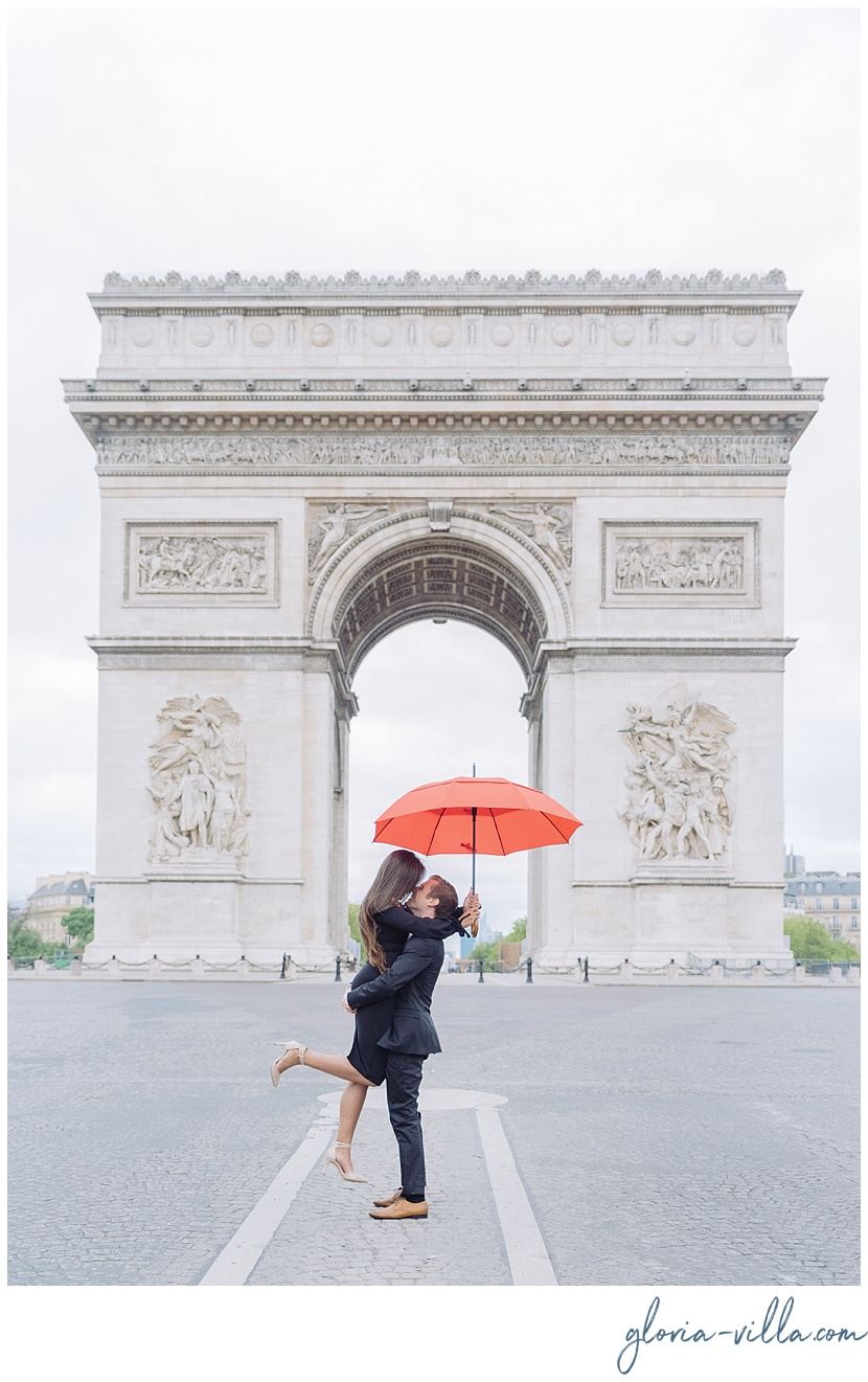 paris proposal at arch of triumph gloria villa