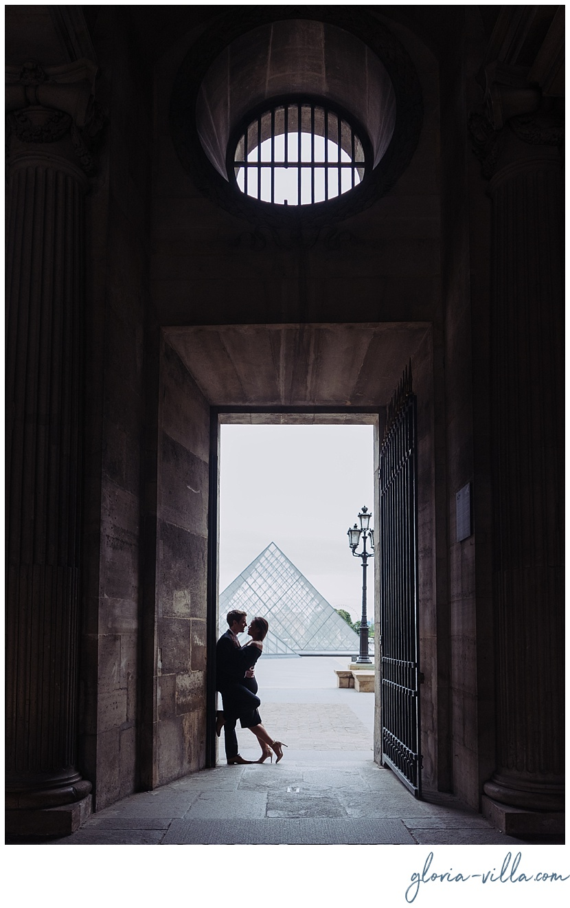 paris proposal photographer louvre gloria villa