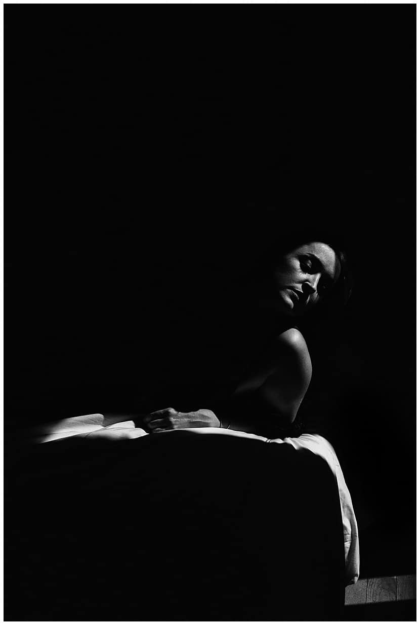boudoir photography in Paris by gloria villa tasteful
