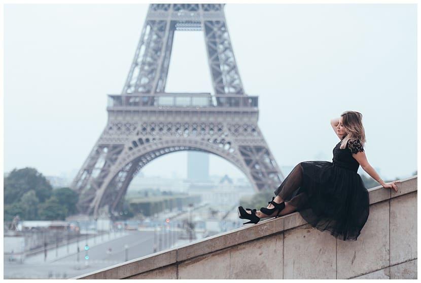 Eiffel Tower portrait boudoir photography in Paris by gloria villa