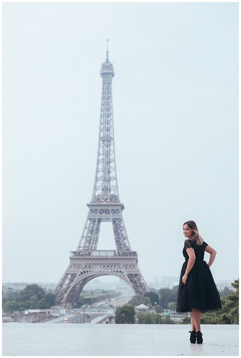 boudoir photography in Paris by gloria villa Eiffel Tower