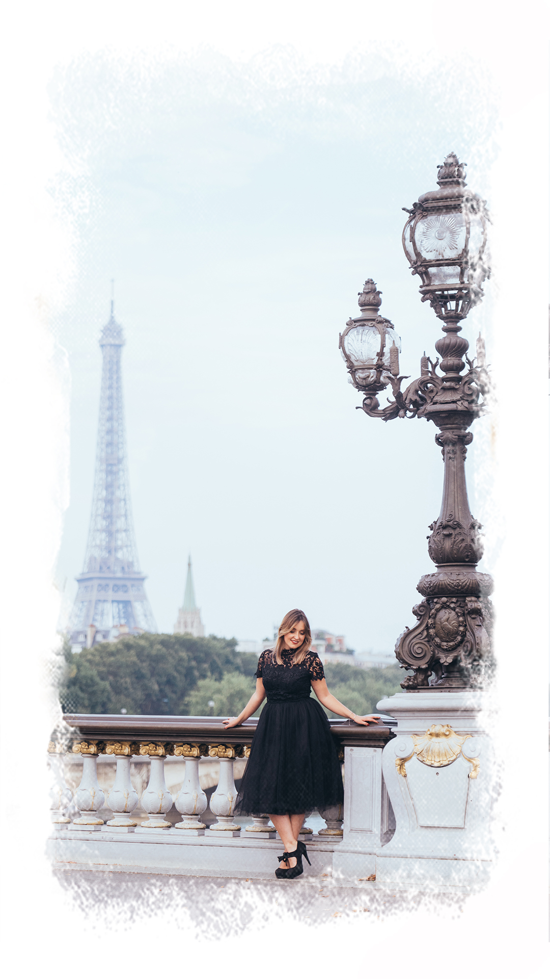 boudoir photoshoot in Paris at the Eiffel tower