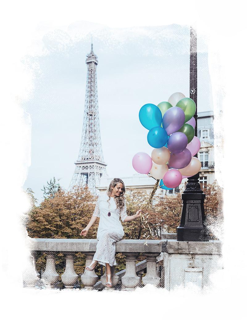 sesión de fotos de boudoir en parís con gloria villa y globos