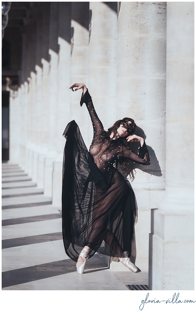 boudoir photoshoot in paris with the balleriana and photographer gloria villa