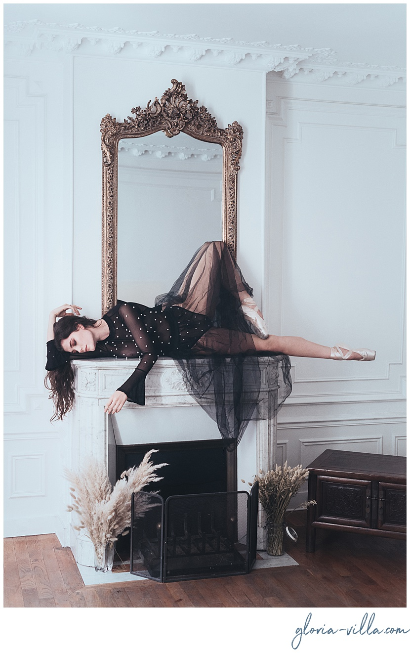 boudoir photography in the heart of paris with the ballerina and gloria villa
