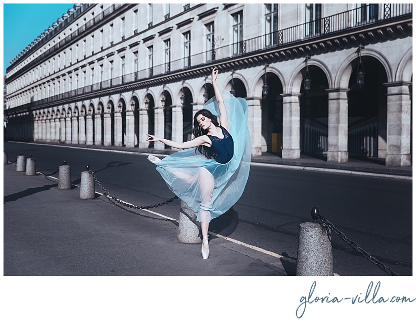 Paris photo session with Gloria Villa Paris photographer and the ballerina