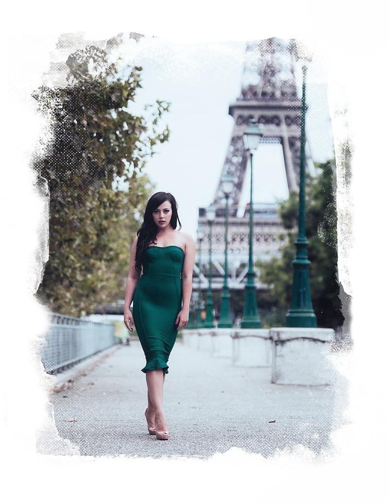 sesión de fotos de boudoir con gloria villa en la torre eiffel de paris