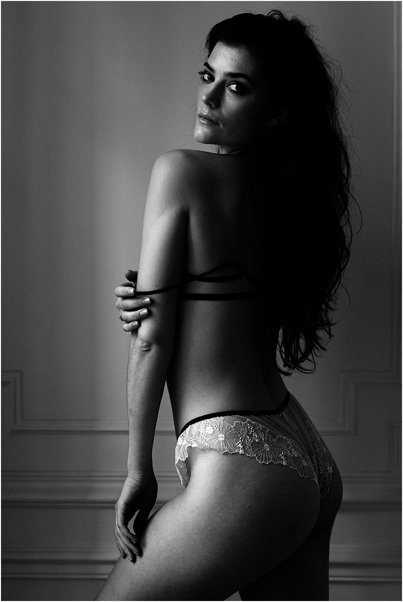 sexy-boudoir-photoshoot-in-paris-by-gloria-villa