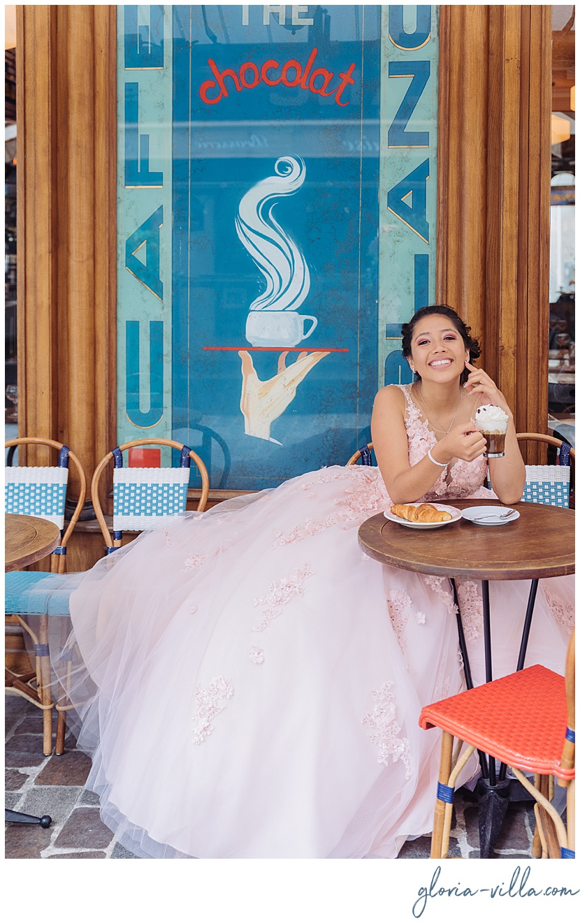 Quinceanera during her photoshoot by Paris Photographer Gloria Villa