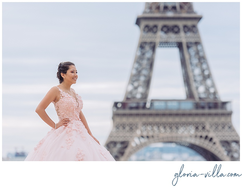 Quinceanera at the Eiffel Tower during her photoshoot by Paris Photographer Gloria Villa